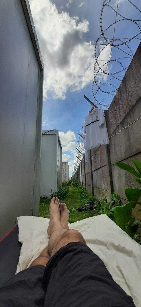 A la recherche d'un courant d'air pour se reposer un instant entre 2 vacations